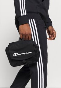 Champion - LEGACY BEAUTY CASE - Wash bag - black - 0