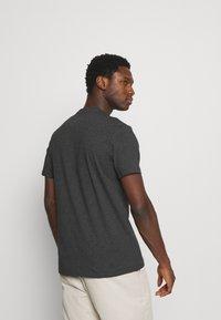 Lyle & Scott - PLAIN - T-shirt - bas - charcoal marl - 2