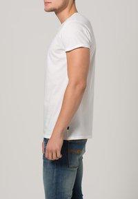 Resteröds - JIMMY - Basic T-shirt - weiß - 2