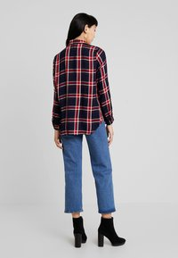 ONLY - ONLLONDON CHECK - Button-down blouse - night sky/red - 2