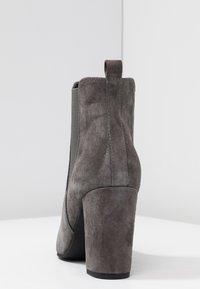 Anna Field Select - LEATHER HIGH HEELED ANKLE BOOTS - Stivaletti con tacco - grey - 5