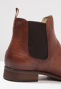 Shoe The Bear - ARNIE  - Classic ankle boots - brown - 5