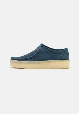 WALLABEE CUP - Casual lace-ups - blue