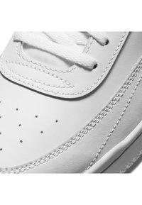 Nike Sportswear - COURT VINTAGE  - Trainers - white/total orange/black - 6