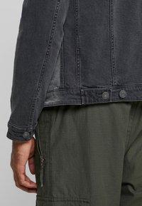 Jack & Jones - JJIALVIN JJJACKET - Denim jacket - black denim - 3