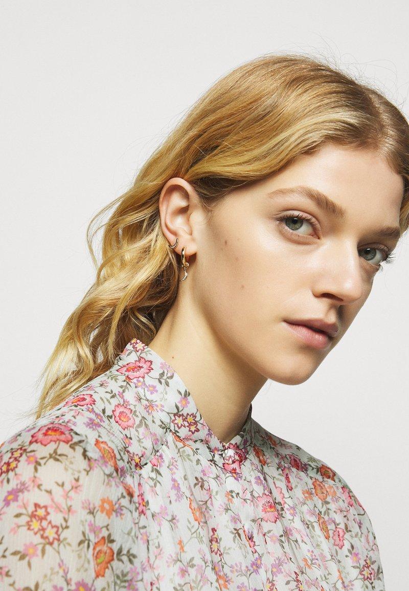 Rebecca Minkoff - CELESTIAL MINI STUD HUGGIE TRIO 3 PACK - Náušnice - gold-coloured