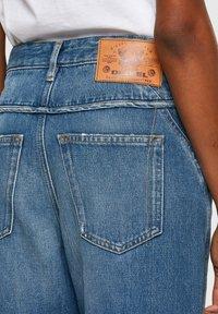 Diesel - DE-REGGYNAL-SP - Relaxed fit jeans - light blue - 4