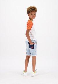Vingino - CRUZ - Denim shorts - light indigo - 1