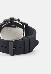 Guess - Chronograph watch - black - 1