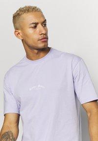 Topman - DEST BACK PRINT TEE - Print T-shirt - lilac - 3