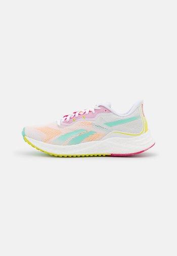 FLOATRIDE ENERGY 3.0 - Nøytrale løpesko - footwear white/pixel mint