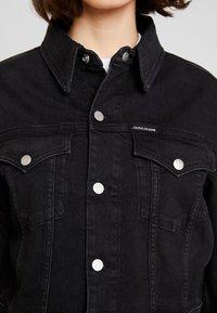 Calvin Klein Jeans - CROPPED FOUNDATION TRUCKER - Chaqueta vaquera - copenhagen black - 7