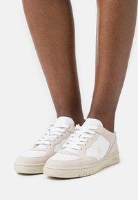 Polo Ralph Lauren - Sneakers laag - white/stucco - 0