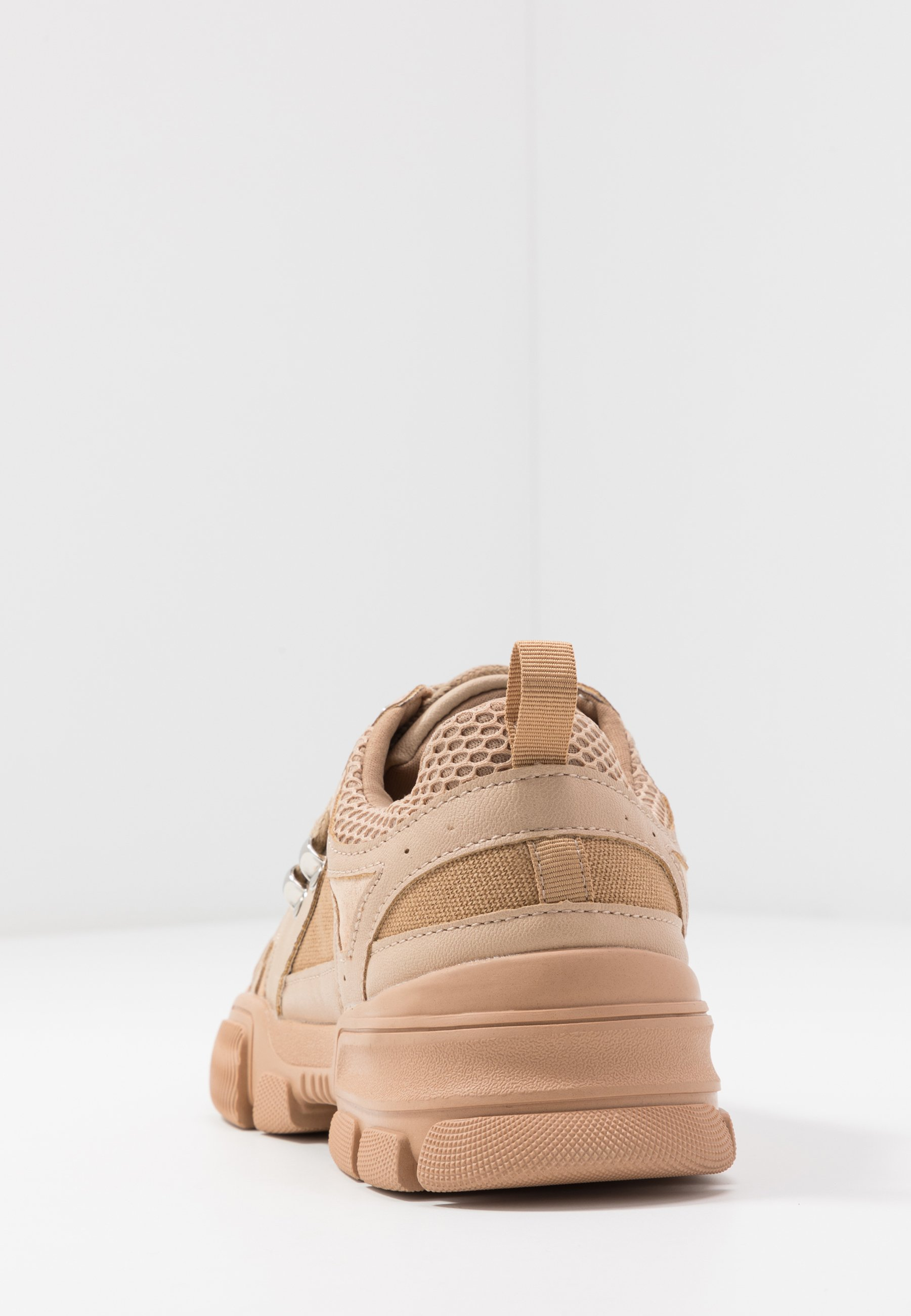 Missguided DETAIL LACE UP TRAINER Joggesko nude Zalando.no