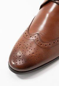 Jacamo - FORMAL BROGUE - Smart lace-ups - tan - 5