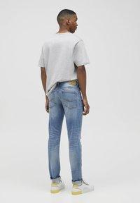 PULL&BEAR - Slim fit jeans - royal blue - 2