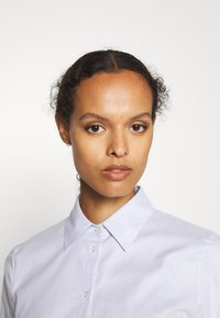 HUGO - THE FITTED SHIRT - Button-down blouse - light pastel blue - 4