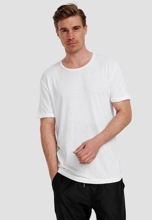Ordinary Truffle - Basic T-shirt - white