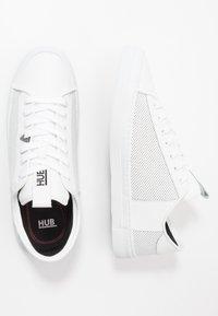 HUB - HOOK - Trainers - white - 1