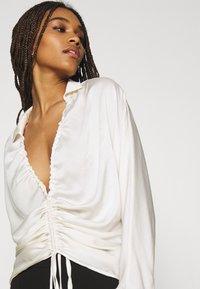 Gina Tricot - DRAWSTRING SHIRT - Long sleeved top - egret - 4