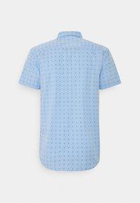 TOM TAILOR DENIM - SHORT SLEEVE - Shirt - light blue - 1