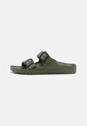 Pantofle - fango/black