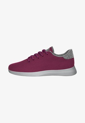 Trainers - berry
