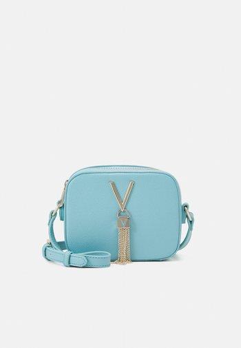 DIVINA - Across body bag - azzurro