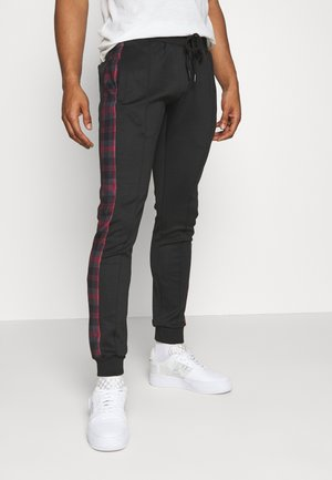 TILLERB - Jogginghose - black/red
