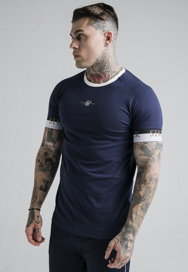DELUXE RINGER - T-shirt con stampa - navy