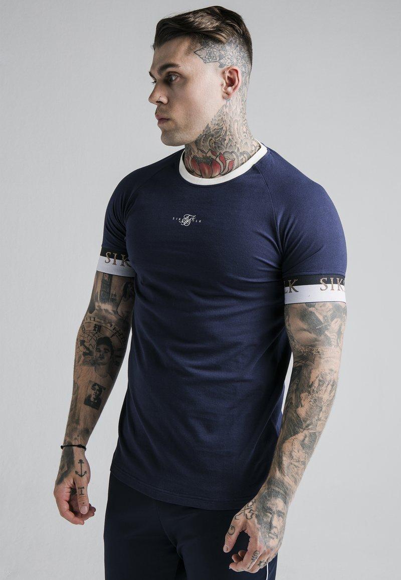 SIKSILK - DELUXE RINGER - T-shirt print - navy
