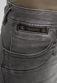 Herrlicher - PIPER SLIM - Slim fit jeans - dark ash - 4