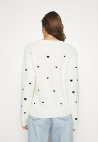 Fabienne Chapot - DISCO HEART - Strikkegenser - cream white - 2