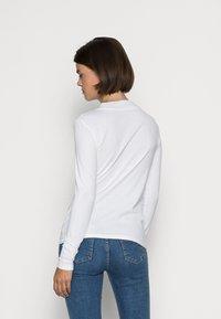 Esprit - HIGH NECK - Bluzka z długim rękawem - white - 2