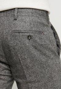 Tommy Hilfiger Tailored - BLEND PANTS - Spodnie materiałowe - grey - 5