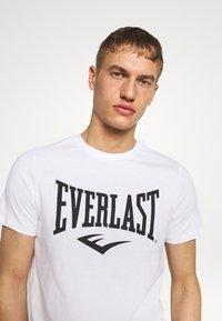 Everlast - LOUIS - Triko spotiskem - white - 3