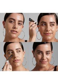 Nyx Professional Makeup - BORN TO GLOW RADIANT CONCEALER - Concealer - 7.5 soft beige - 2