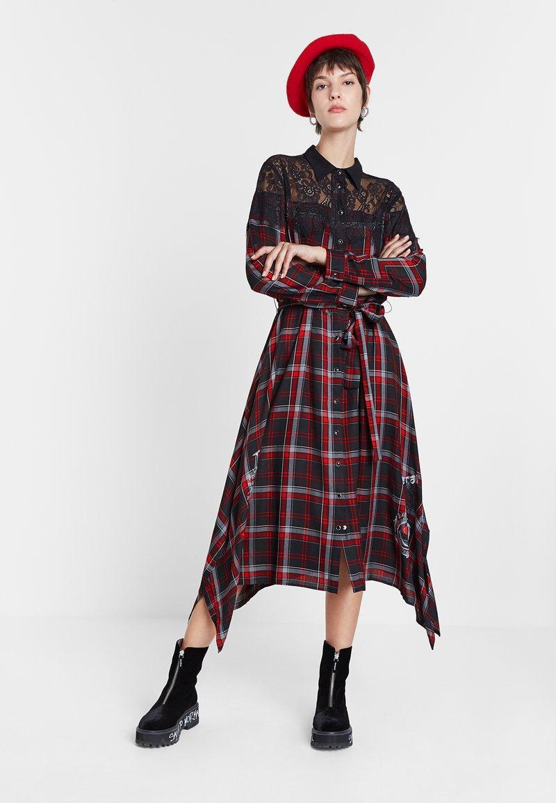 Desigual - SEATTLE - Shirt dress - black/red