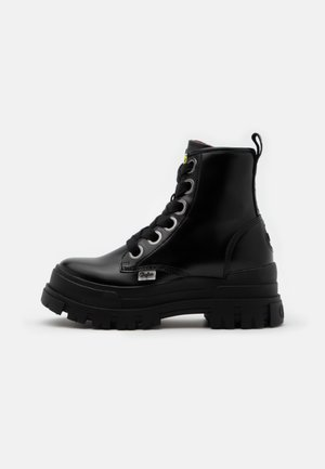ASPHA LACE UP HI - Plateaustøvletter - black
