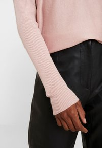Anna Field - RELAXED V-NECK - Jumper - pink - 5