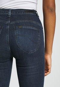 Lee - SUPER HIGH FLARE OPTIX - Jeans a zampa - clean aurora - 3
