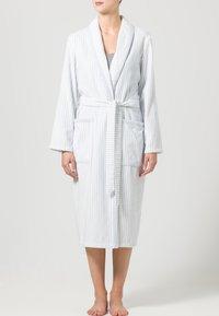CAWÖ - CARRERA - Dressing gown - weiß/blau - 1