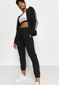 Cotton On Body - LIFESTYLE GYM TRACK PANTS - Pantalones deportivos - black - 3