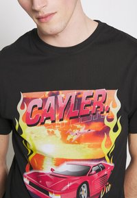 Cayler & Sons - RIDE OR FLY TEE - Print T-shirt - black - 5