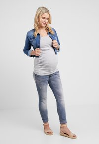 Zalando Essentials Maternity - 2 PACK - Topper - light grey melange/navy peacoat - 1