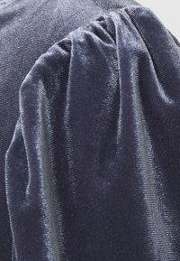 Saint Tropez - CALLIESZ LONG DRESS - Koktejlové šaty/ šaty na párty - folkstone gray - 5
