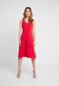 mint&berry - Jersey dress - goji berry - 0