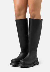 Selected Femme - SLFLUCY HIGH SHAFTED BOOT  - Plateaulaarzen - black/matte - 0