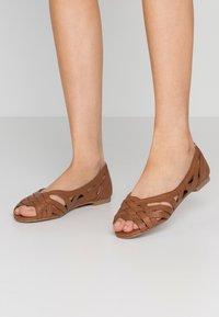 Dorothy Perkins - PEARLENE  - Peeptoe ballet pumps - tan - 0