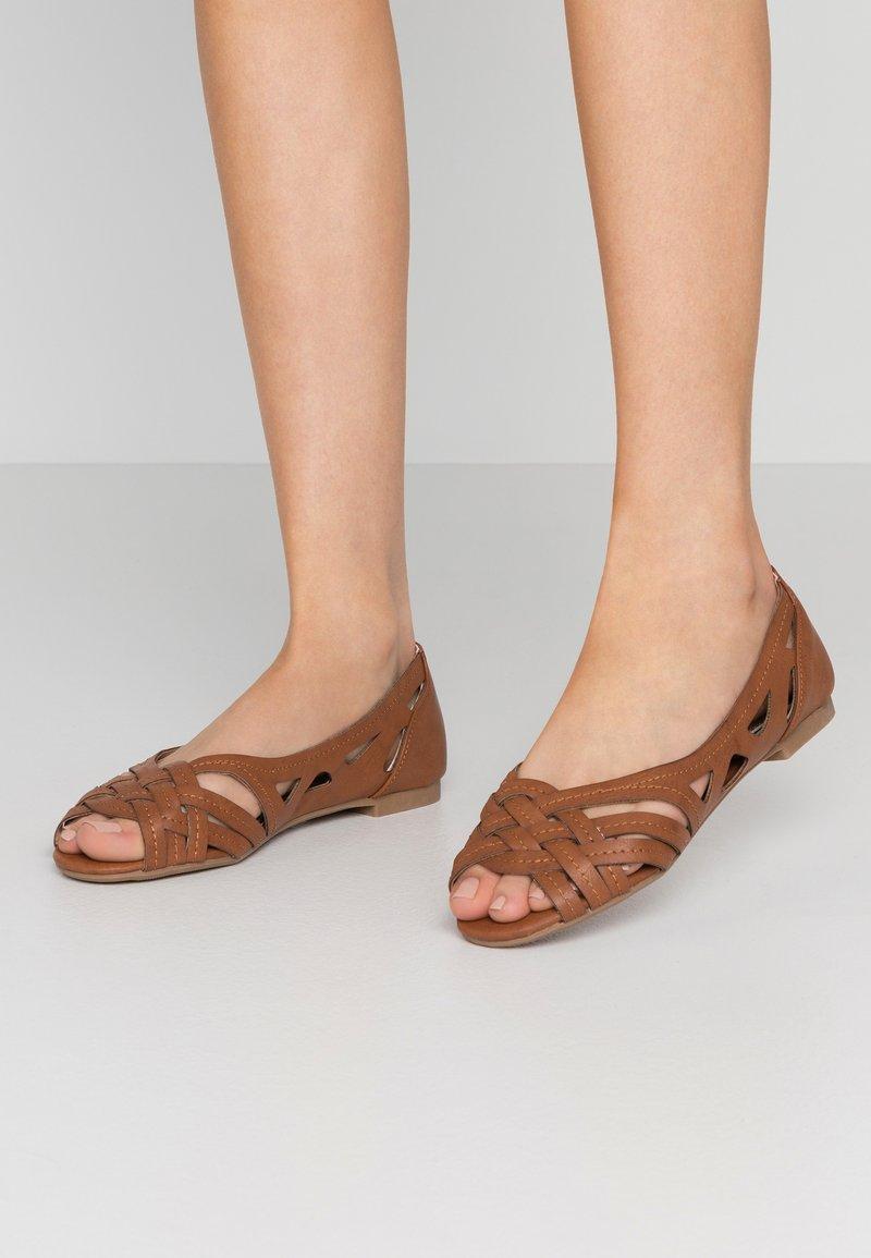 Dorothy Perkins - PEARLENE  - Peeptoe ballet pumps - tan